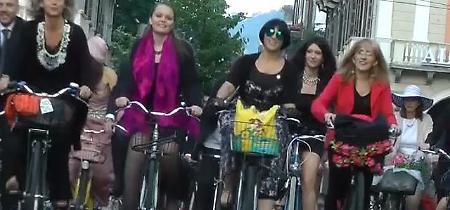 Cinemambiente apre in bici sul red carpet