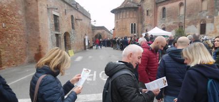 FOTO Le mura di Pizzighettone invase dai buongustai del Fasulin