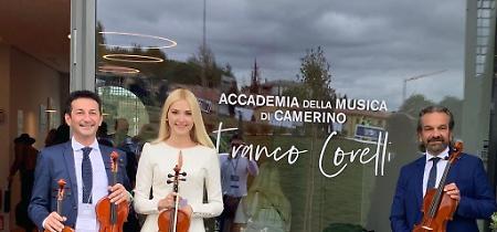 FOTO I violini di Cremona per l'Accedemia della Musica di Camerino ricostruita dalla Fondazione Bocelli