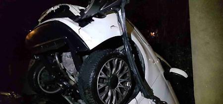 FOTO Le auto distrutte nell'incidente in via Giordano
