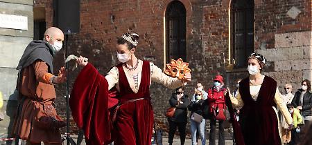 FOTO «Il teatro è vivo»: città-palcoscenico con Scintille d'Arte