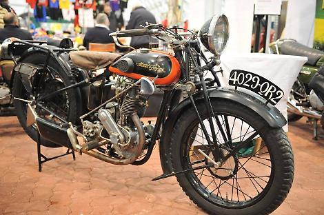 Mostra scambio di auto moto e cicli d 39 epoca al parco for Parco novegro