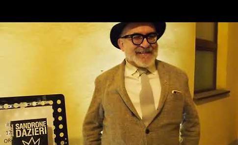 VIDEO Intervista allo scrittore cremonese Sandrone Dazieri