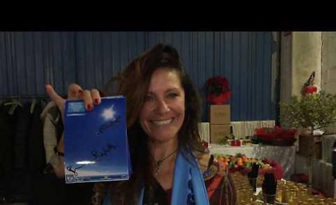 VIDEO La paracadutista Brighetti festeggiata al Migliaro