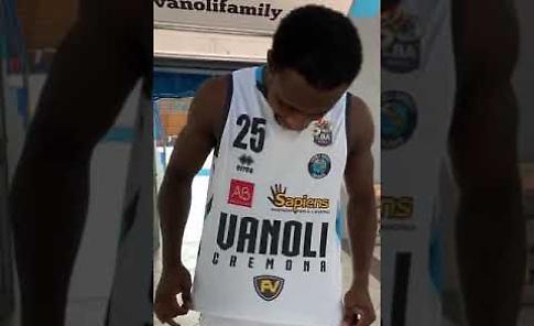 VIDEO Vanoli Basket Cremona: le nuove divise