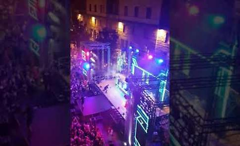 VIDEO La grande serata di StraDeejay in piazza Stradivari