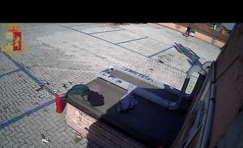 VIDEO Le immagini dei vandalismi all'autosilo Massarotti