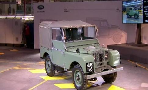 Addio Land Rover Defender, esce di produzione un'icona inglese