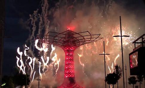 Expo un anno dopo, l'Albero della Vita torna a splendere