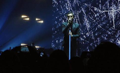 Per Marco Mengoni 5 brani inediti e nuove date del tour