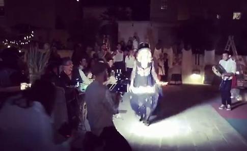 """Madonna in Puglia balla la pizzica per i suoi 59 anni: """"Life, love, familia"""""""
