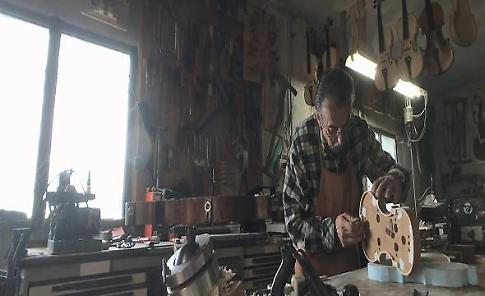 """""""Le mie 300 ore per costruire un violino"""": storia di un liutaio a Borgotaro"""