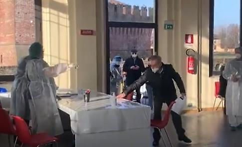 VIDEO Hub di Soncino: prime vaccinazioni in filanda