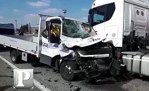 VIDEO Pauroso incidente sulla Paullese