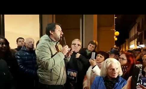 VIDEO Matteo Salvini inaugura la sede della Lega Nord