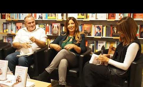 VIDEO Selvaggia Lucarelli alla libreria Feltrinelli