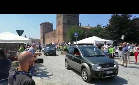 VIDEO Il via al Panda Tour dall'arena del castello