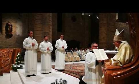 Il video dell'ordinazione dei tre diaconi a Crema
