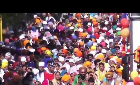 VIDEO Il corteo Sikh a Cremona per la Festa di Primavera