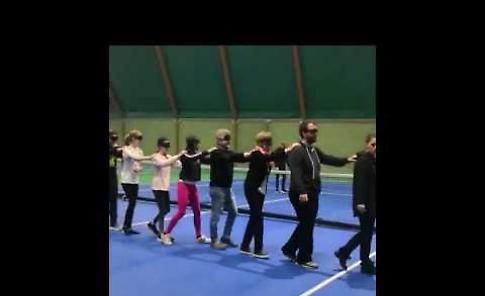VIDEO Oltre i limiti, danza bendati per ballare come i ciechi