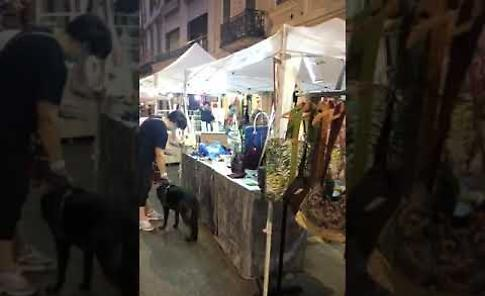 VIDEO Giovedì d'estate all'insegna dello shopping