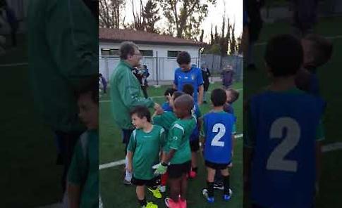 VIDEO - Il sindaco Galimberti con gli scarpe da calcio