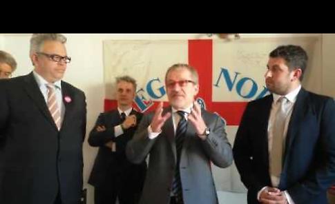Il presidente Maroni alla sede della Lega Nord
