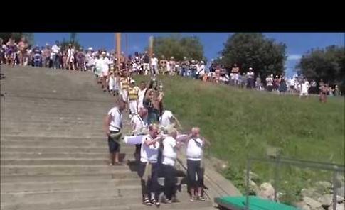 VIDEO La processione della Madonna dell'Assunta sul fiume Po