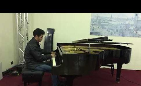 VIDEO Il pianista di Yarmouk al Caffé Letterario di Crema