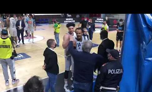 VIDEO Vanoli sconfitta, ma esce tra gli applausi