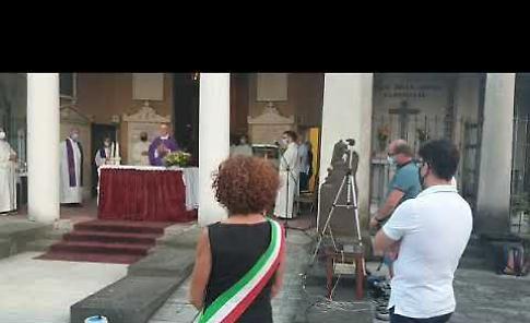 VIDEO Crema, la messa al cimitero per le vittime del Coronavirus