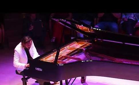 VIDEO Andrea Benelli al Museo del Violino di Cremona