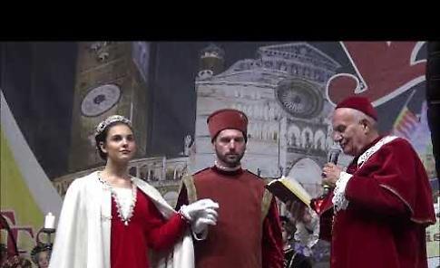 VIDEO Festa del Torrone: rievocazione storica e spettacoli per una domenica da record