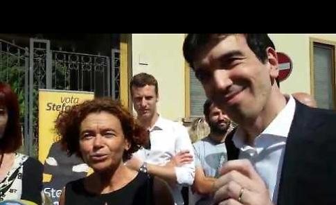VIDEO Il ministro Martina al mercato di via Verdi