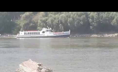 VIDEO La navigazione in difficoltà della motonave Mattei sul Po in secca