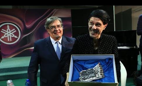 A Ezio Bosso  il Cremona Musica Awards