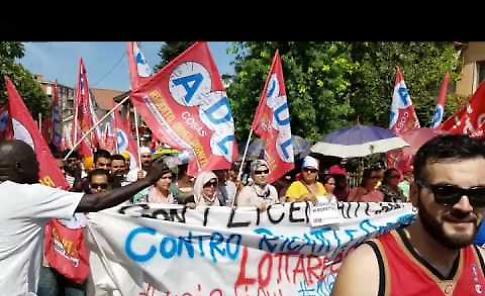 VIDEO Licenziamenti alla Composad: il corteo di protesta