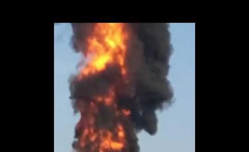 VIDEO Incendio alle torri di raffreddamento dell'acciaieria