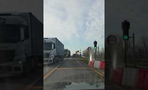Ponte Verdi, video choc di un pendolare