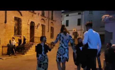 VIDEO La sfilata di moda a Casalmaggiore durante il Record Store Day
