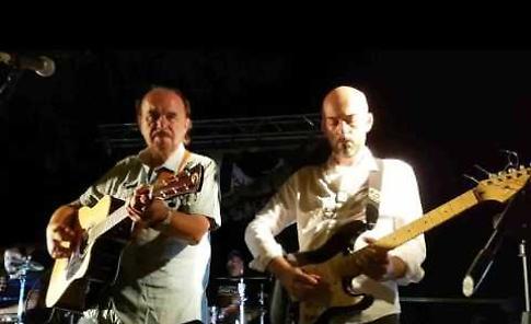 Il video di Bernardo Lanzetti & Friends sul palco della festa di 'Rive Gauche' al Lido Po di Casalmaggiore