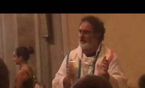 VIDEO L'ultima messa di don Mauro Manica