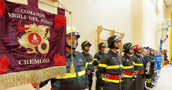 Anche i vigili del fuoco di Cremona domani a Roma - La Provincia
