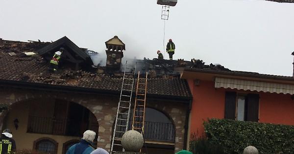 Incendio devasta una casa la provincia for Vinci una casa