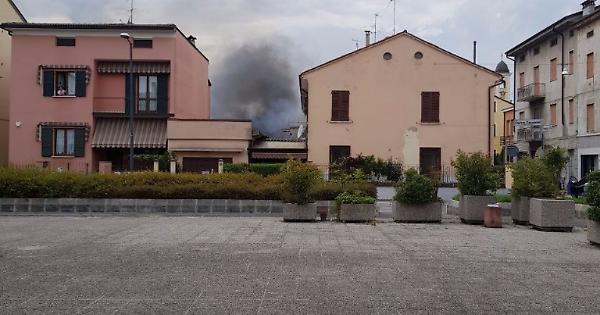 Incendio in una casa a borgo loreto la provincia for Vinci una casa