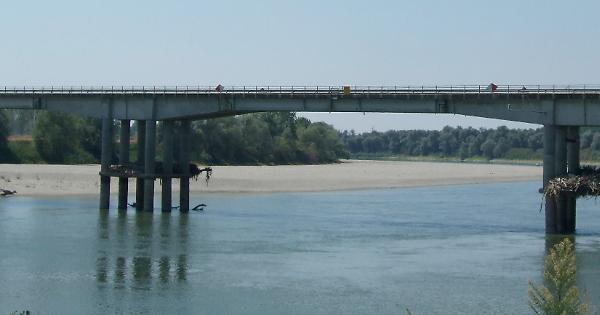 San Daniele all'unanimità: «Serve un ponte nuovo»