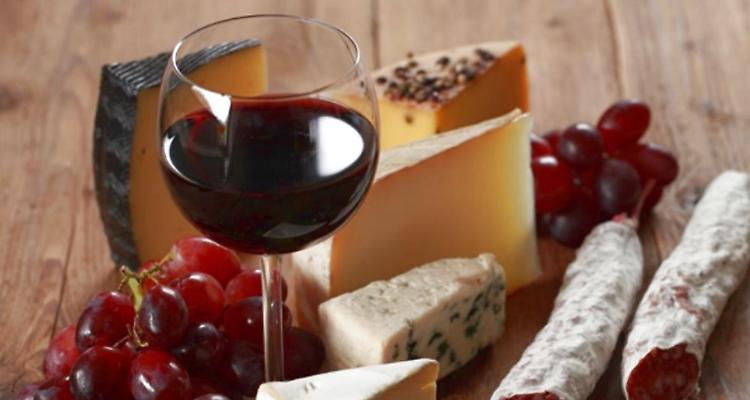Perché tra vino e formaggio è 'affinità elettiva'