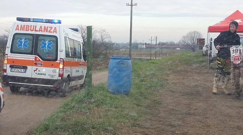 1ece911cc9 Centauro cade durante una gara e finisce in ospedale - La Provincia