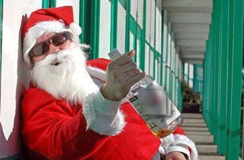 Babbo Natale Ubriaco.Ubriachi E Molesti Multati Babbo Natale E La Renna La Provincia