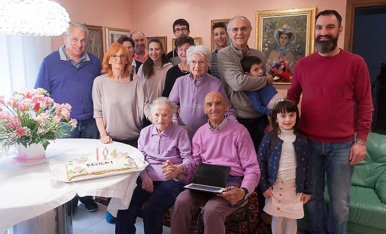 d3f6058d96 I 104 anni di Pina, festa con la sorella centenaria - La Provincia